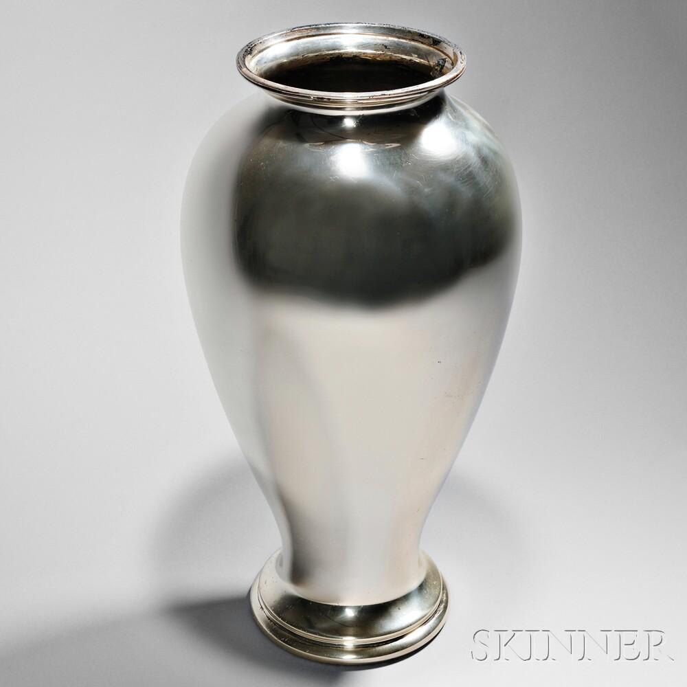 tiffany co sterling silver floor vase sale number. Black Bedroom Furniture Sets. Home Design Ideas