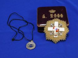 Spanish Cased Medal and a Reproduction Pendant.