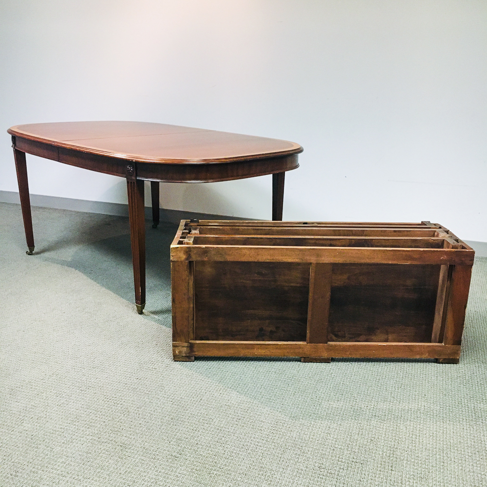 Neoclassical-style Inlaid Mahogany Dining Table