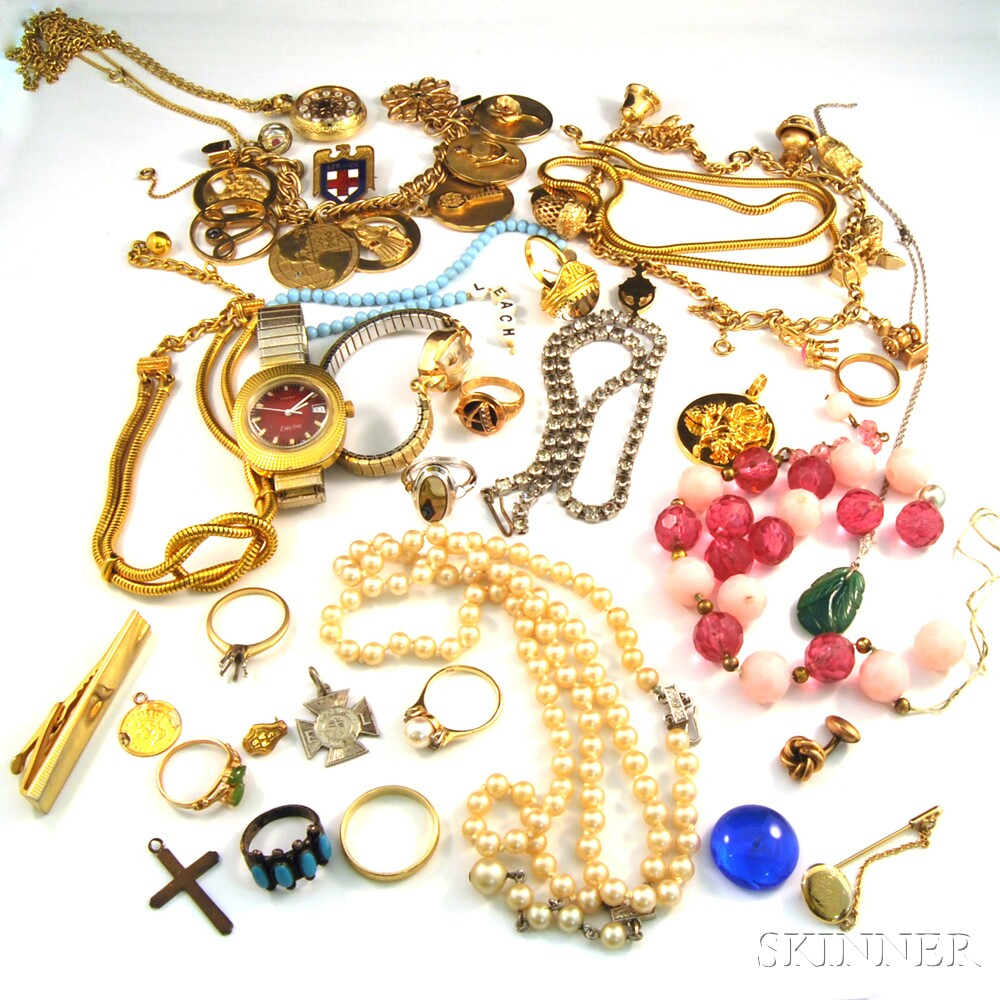 Small Group of Costume JewelrySmall Group of Costume Jewelry