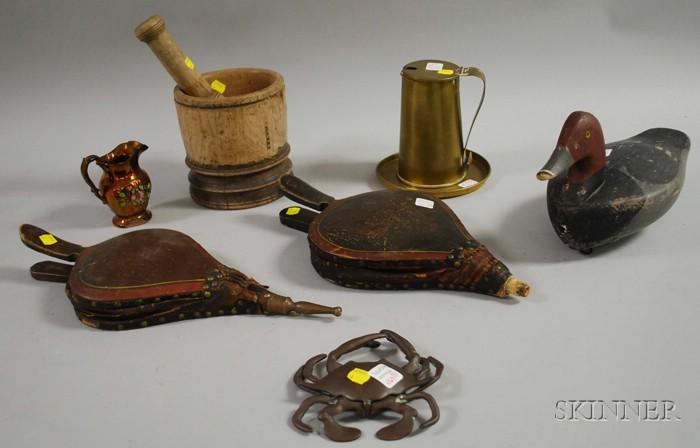 Nine Assorted Decorative Articles