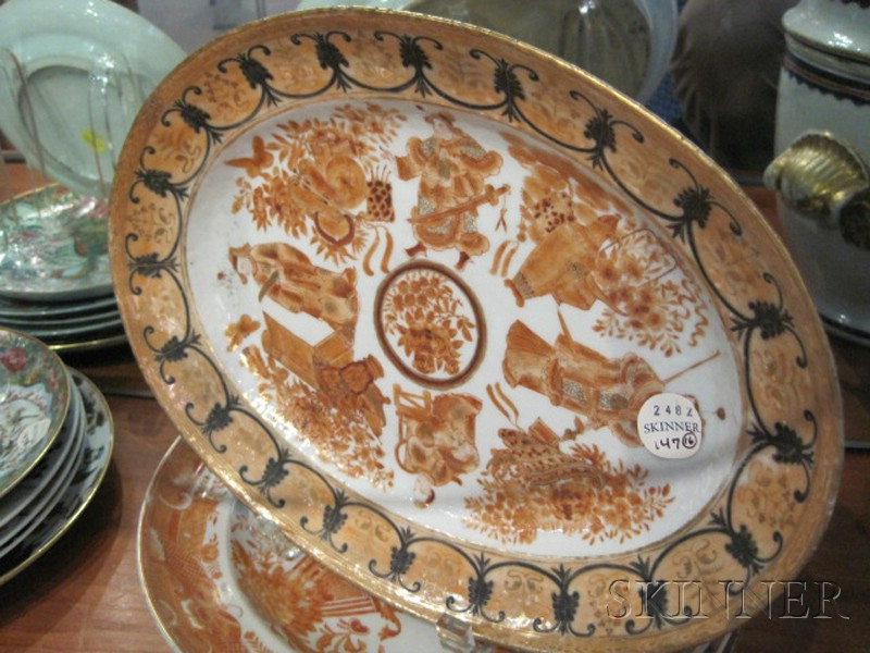 Sixteen Assorted Chinese Export Porcelain Items