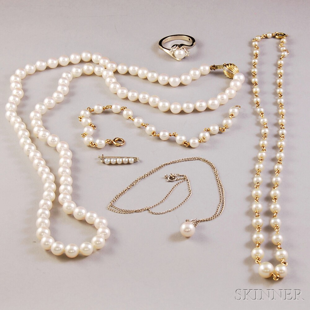 Small Group of Cultured Pearl Jewelry
