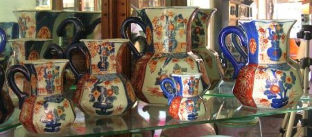 Graduated Set of Five Modern Chinese Export Imari Palette Porcelain Jugs