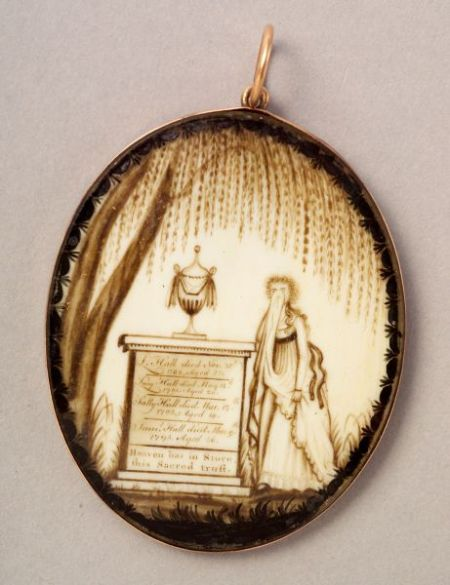 American School, 18th/19th Century    Mourning Picture Locket.