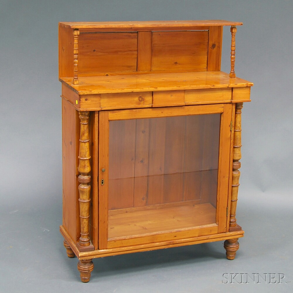 Country Turned Pine Hutch with Glass Door