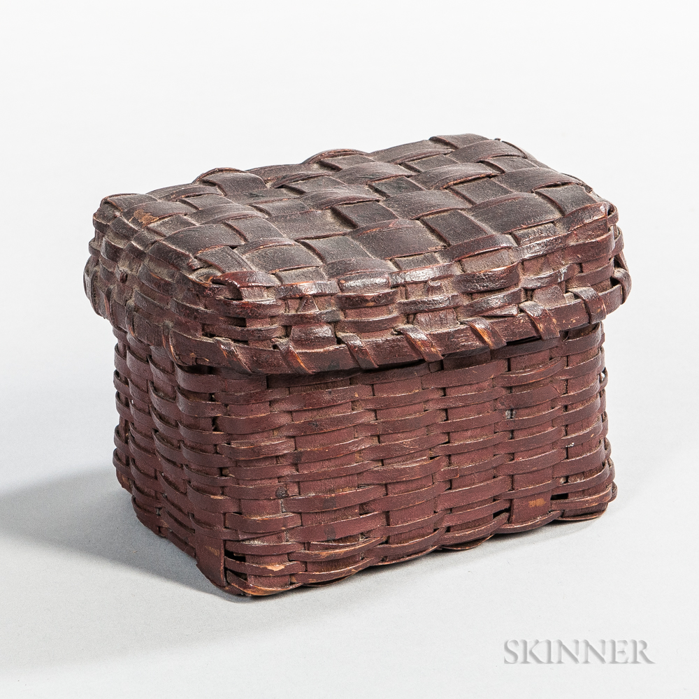 Small Red-painted Ash Splint Lidded Basket