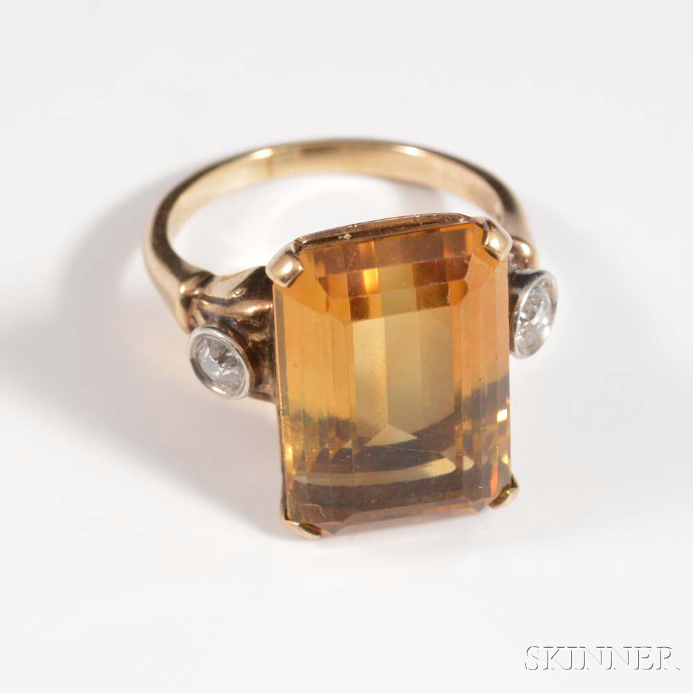 10kt Gold, Citrine, and Diamond Ring