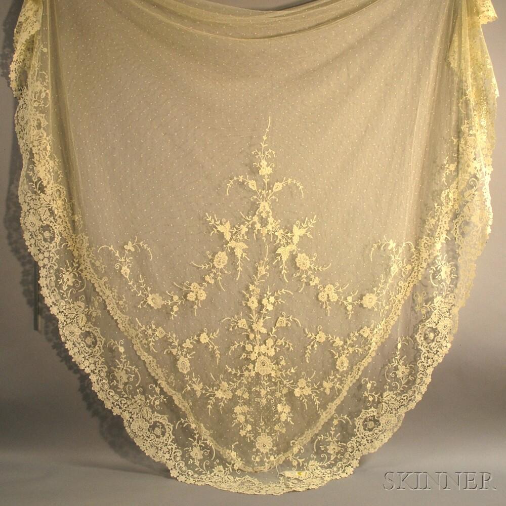 Honiton Lace Wedding Veil