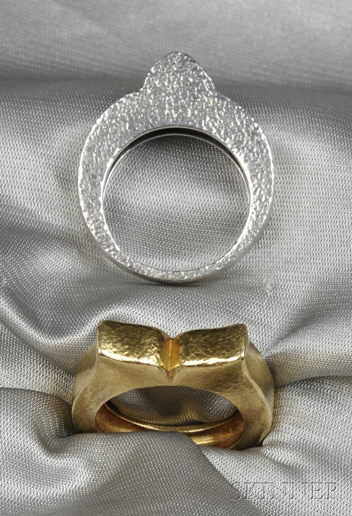 Two Rings, Zolotas