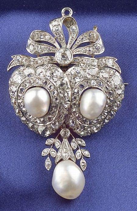 Edwardian Pearl and Diamond Pendant/Brooch, Howard & Co.