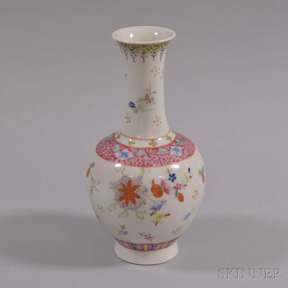 Fencai-enameled Vase