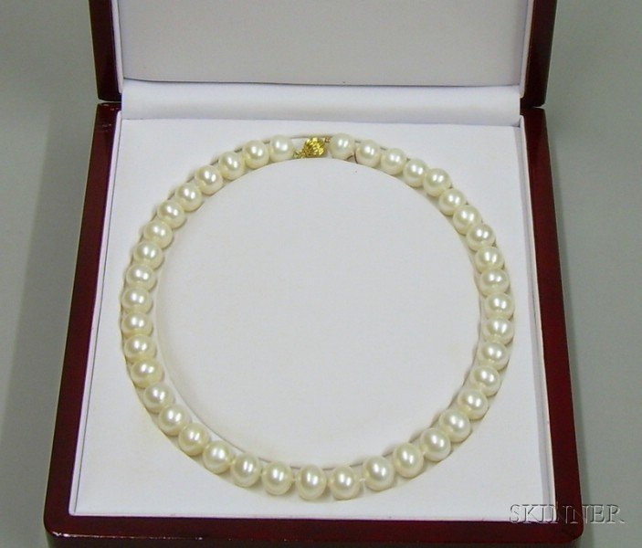 Cultured Freshwater Pearl Necklace