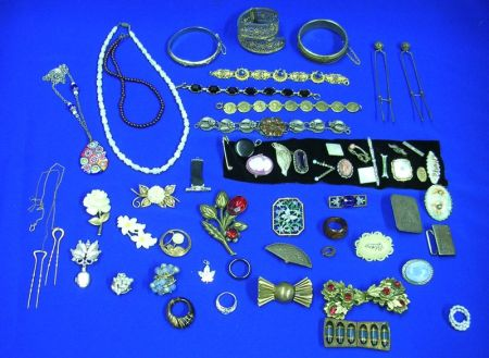 Lot of Miscellaneous Victorian and Vintage Costume Jewelry