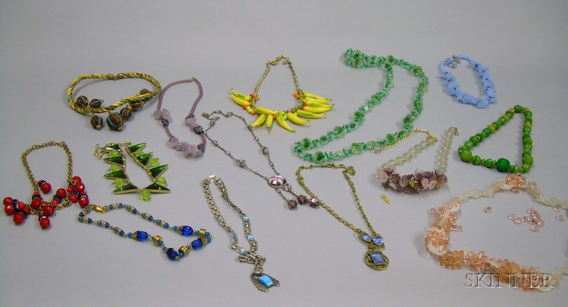Fourteen Assorted Art Deco and Later Costume Necklaces.