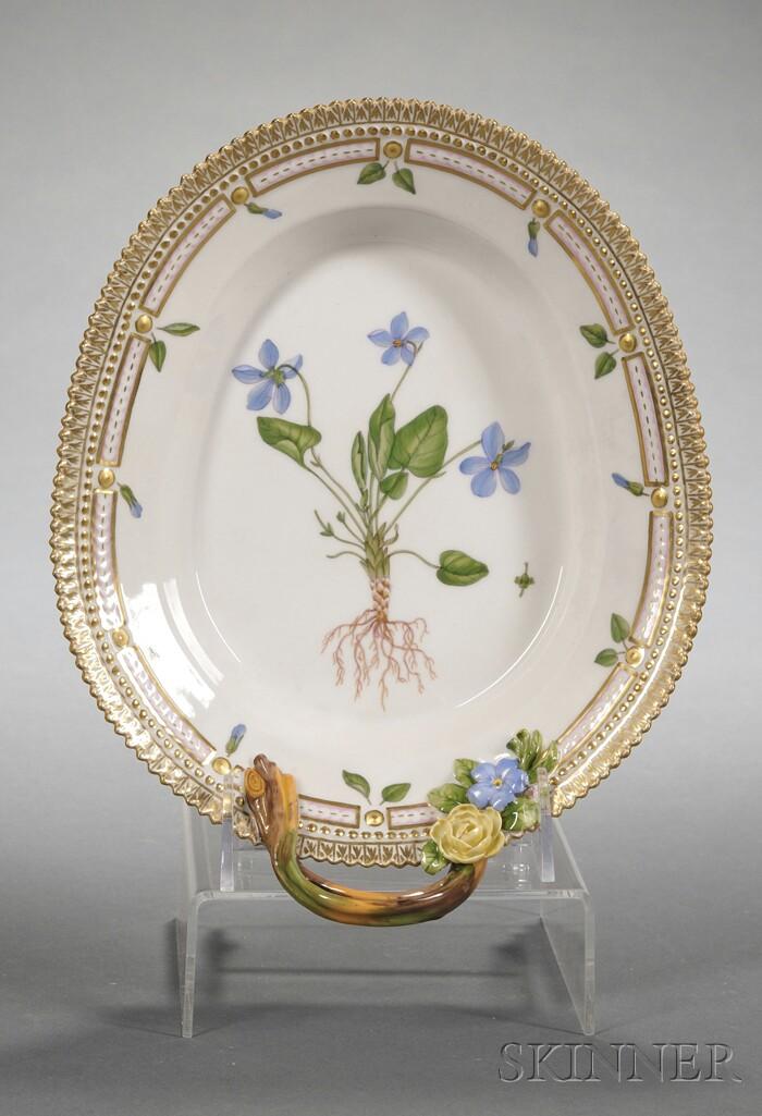 """Royal Copenhagen Porcelain """"Flora Danica"""" Pattern Serving Dish"""