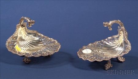 Pair of George V Silver Shell Shaped Bon-bon Dishes