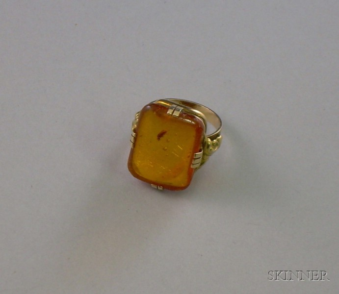 Victorian 8kt Gold Amber Ring