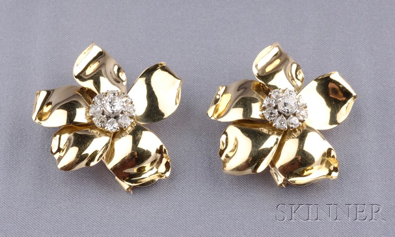 Pair of 18kt Gold and Diamond Flower Dress/Earclips, Cartier,