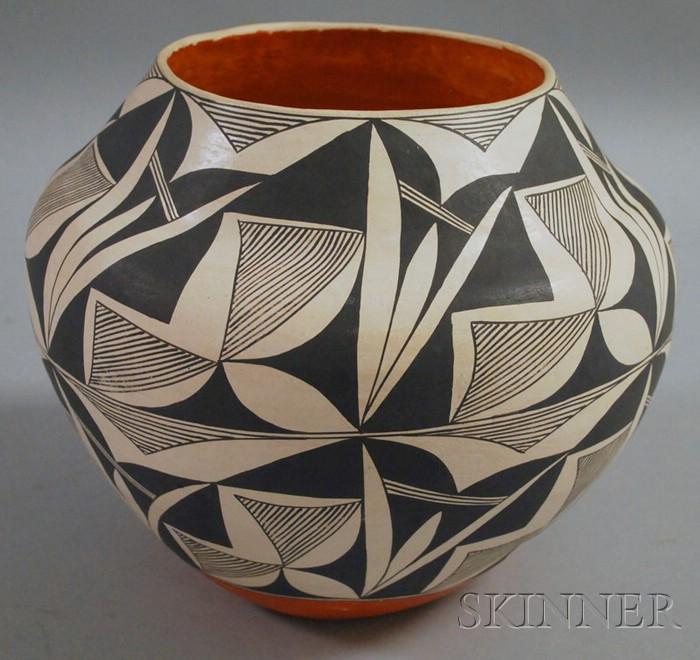 Emma Chino Signed Acoma Painted Pot