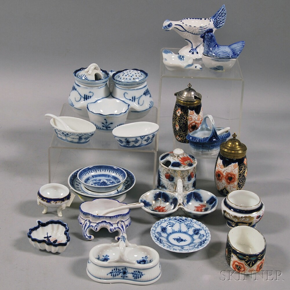 Eighteen Blue and White Porcelain Salts