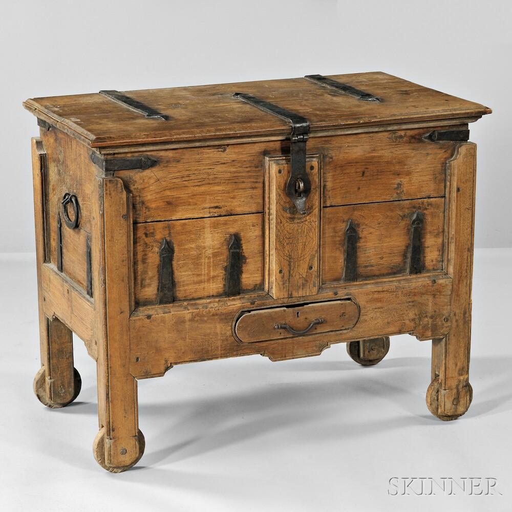 Continental Renaissance-style Oak Coffer