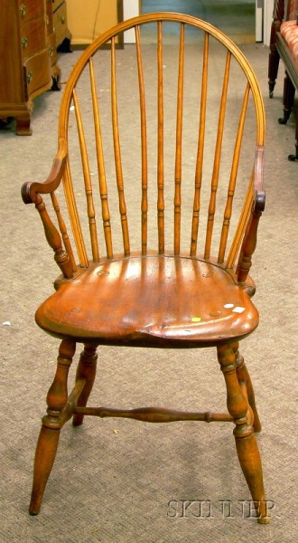 Rhode Island Windsor Applied-arm Chair.