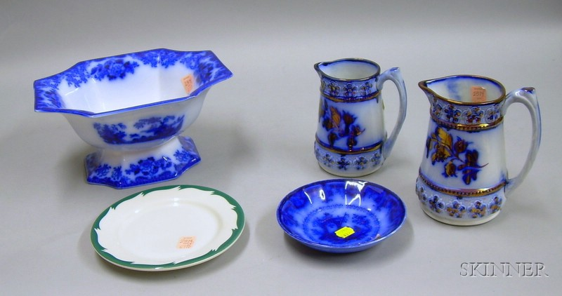 Four Pieces of Assorted Ceramic Tableware