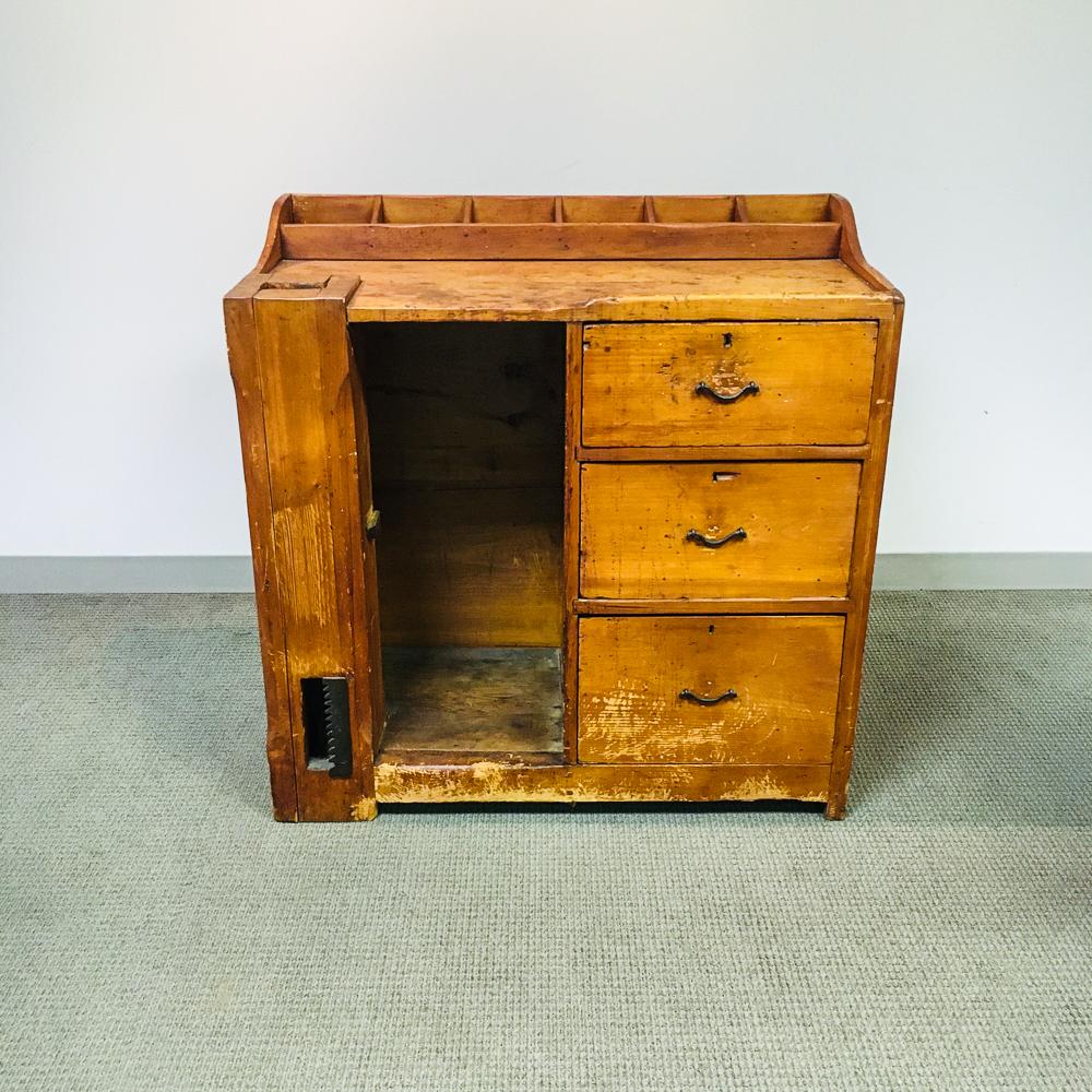 Pine Cobbler's Bench