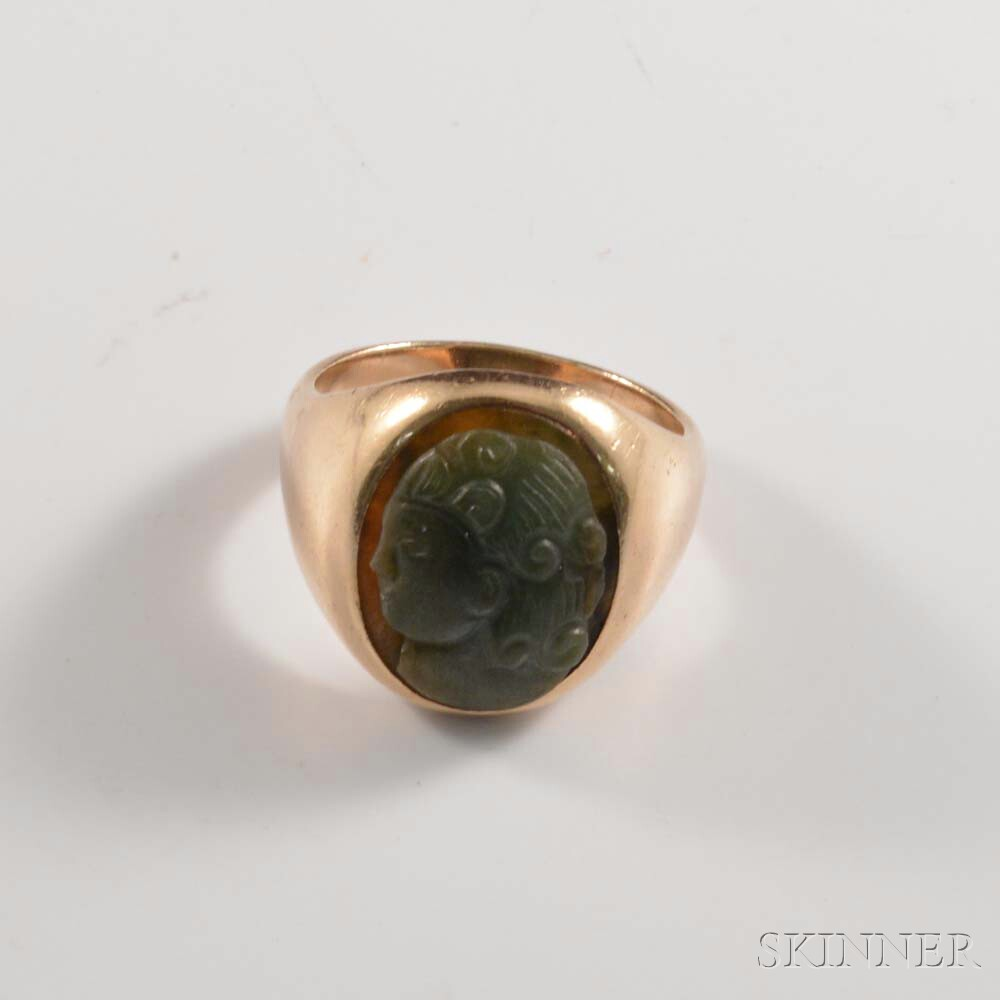 10kt Gold and Carved Green Hardstone Ring