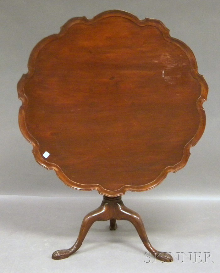 Chippendale-style Carved Mahogany Piecrust Tilt-top Birdcage Tea Table