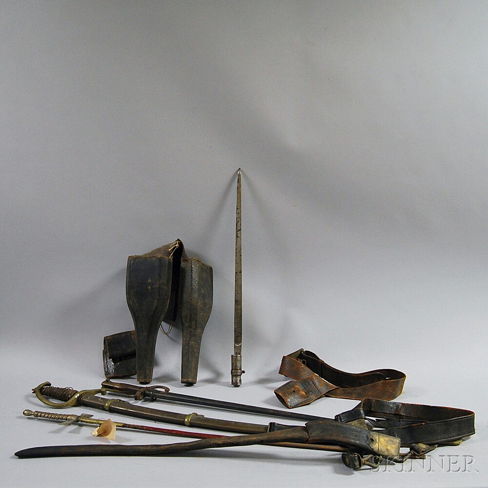 Small Group of Miscellaneous Weaponry Items