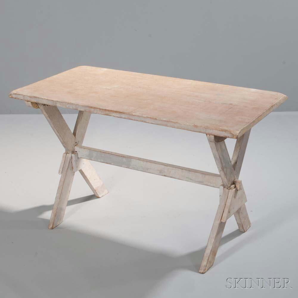 Sawbuck Table
