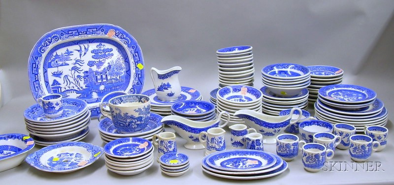 Approximately 119-piece Assembled Blue Willow Pattern Dinner Service