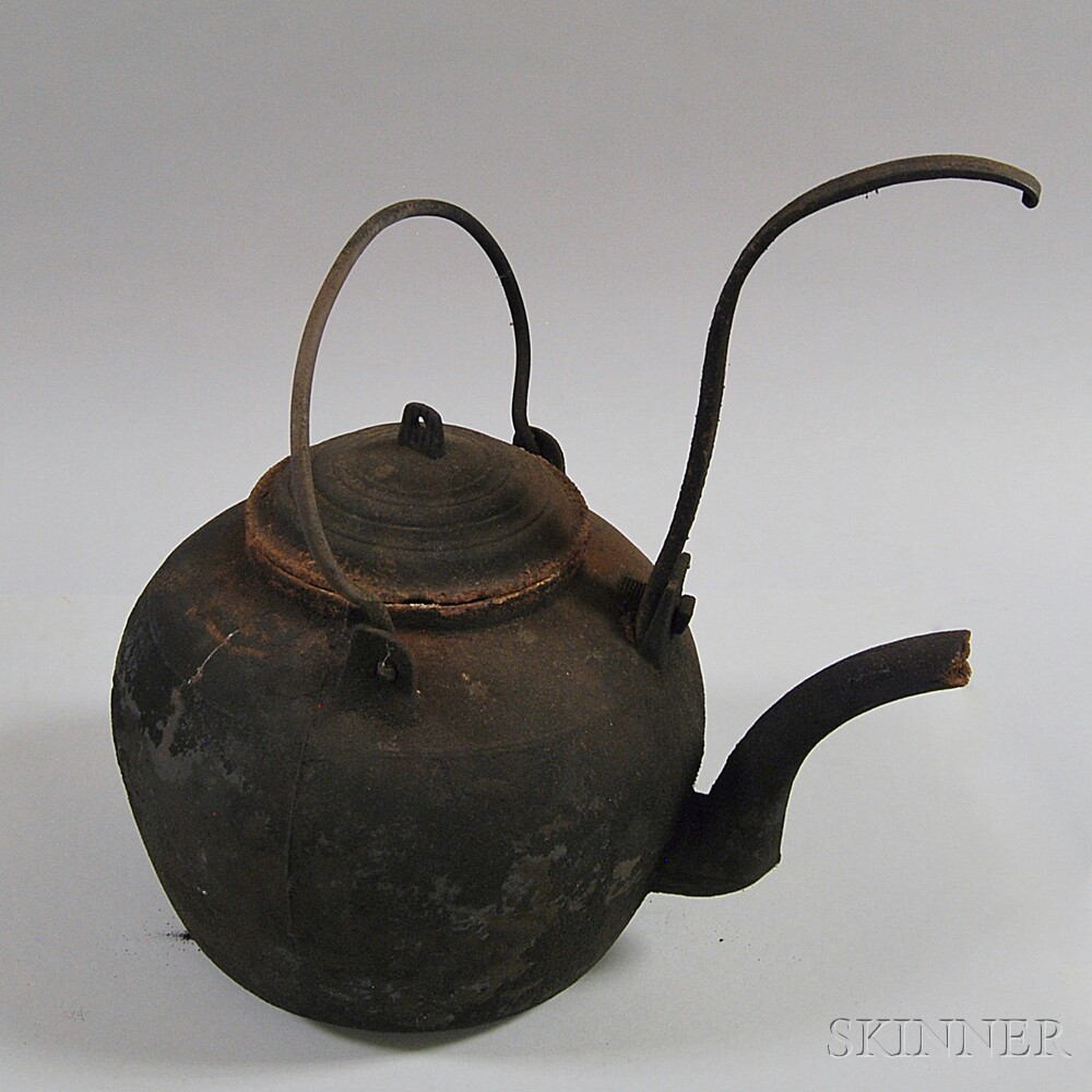 Cast Iron Hearth Kettle