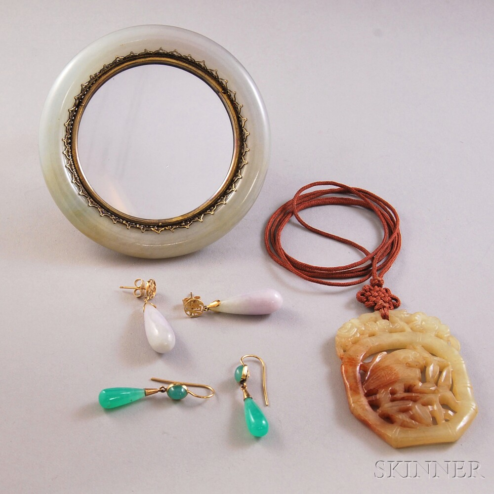 Four Jade and Hardstone Jewelry Items