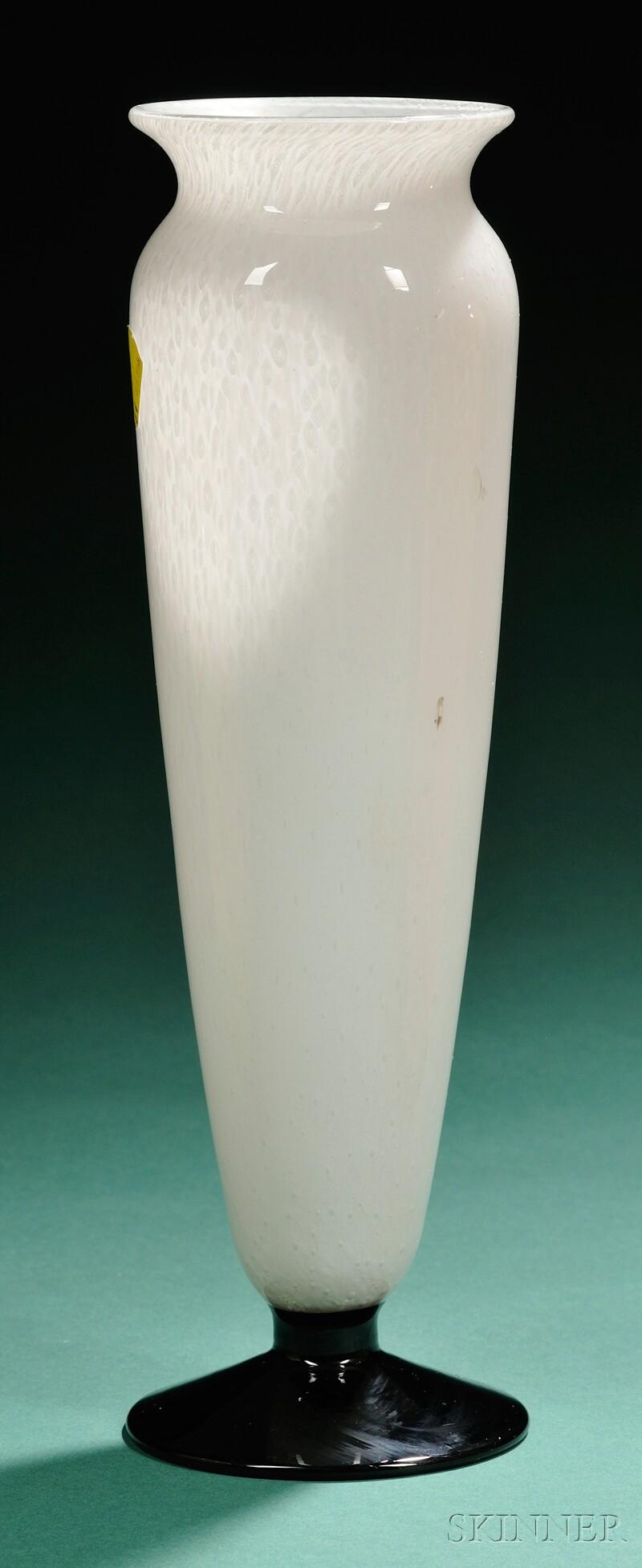 Kimble/Durand Art Deco Cluthra Glass Vase