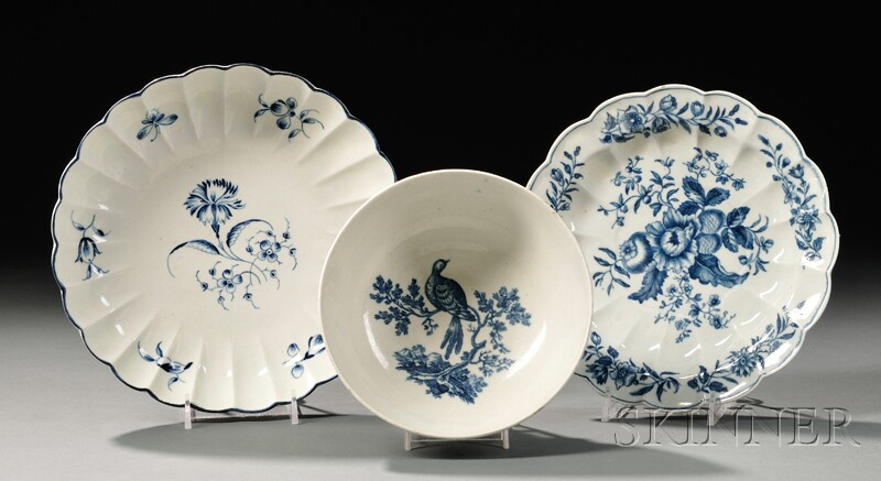 Three Worcester Blue-decorated Porcelain Items