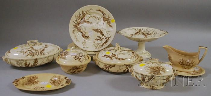 Twelve Pieces of Wedgwood Brown Transfer Seaweed-decorated Ceramic Tableware