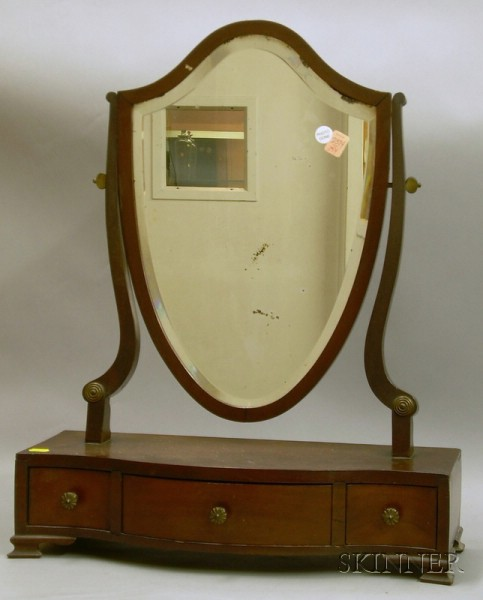 Federal-style Mahogany and Mahogany Veneer Dressing Mirror on Serpentine Cabinet.