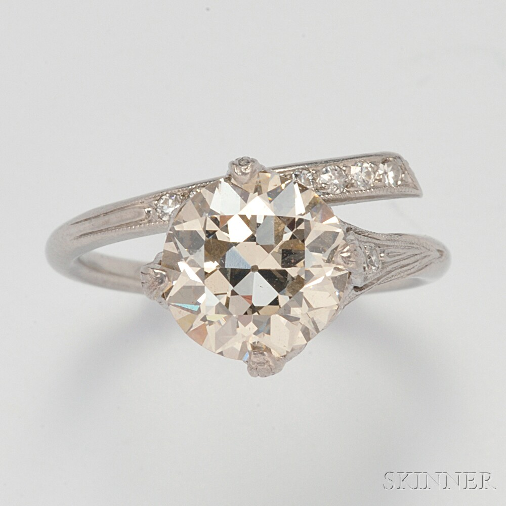 Art Deco Platinum and Diamond Ring