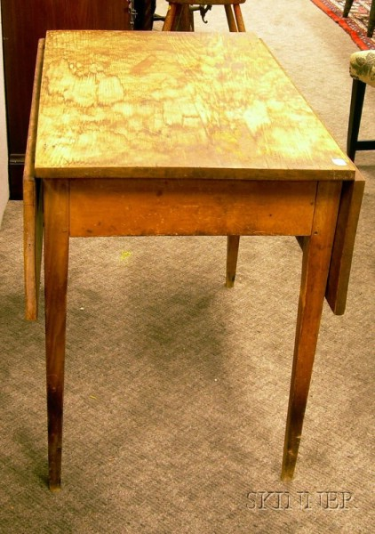 Country Pine Drop-leaf Table.