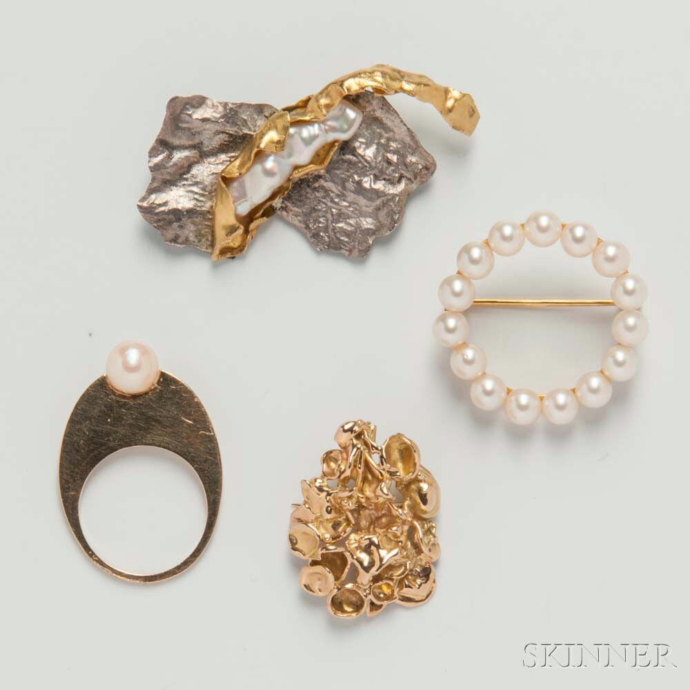 Three Brooches and a 14kt Gold and Pearl Ring