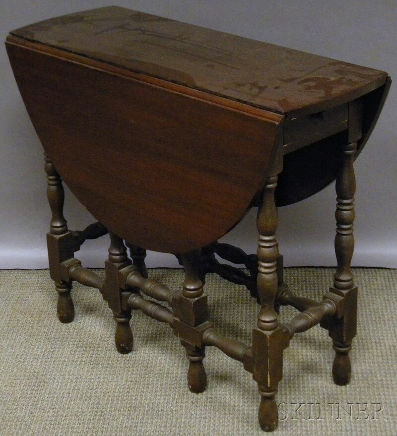 William Amp Mary Style Mahogany Drop Leaf Gate Leg Table
