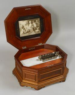 Triumph 15 1/2-Inch Disc Musical Box