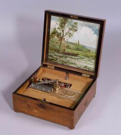 Kalliope 13 1/4-Inch Bells Disc Musical Box