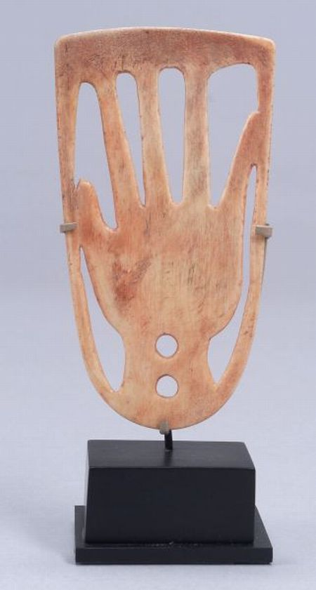 Plains Carved Bone Roach Spreader
