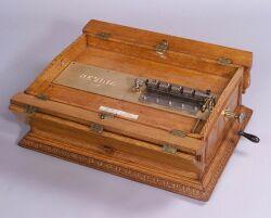 Regina 20 3/4-Inch Folding Top Disc Musical Box