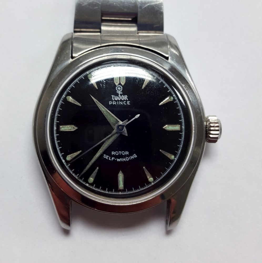 Nineteen Assorted Automatic and Manual-wind Wristwatches.     Estimate $100-150