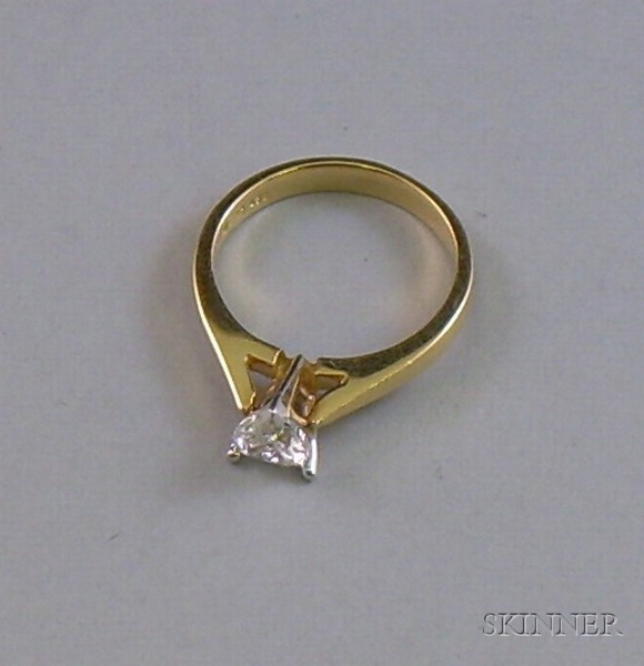 14kt Yellow Gold Heart-shape Diamond Ring